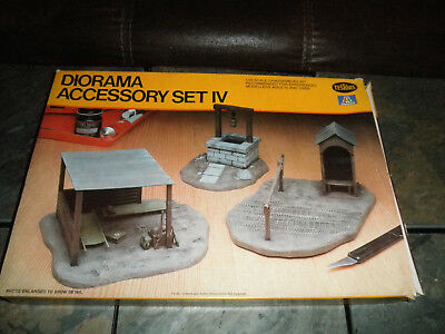 1/35 Diorama Accessory Set IV First Aid Station,Well & Check Point by Testors/It