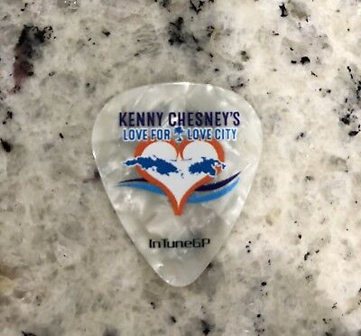 2018 Kenny Chesney Guitar Pick Pic