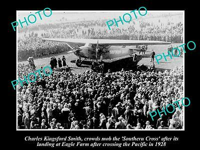 OLD LARGE PHOTO OF CHARLES KINGSFORD SMITH ARRIVING AT EAGLE FARM, c1928 QLD