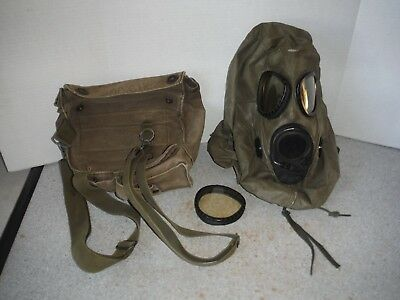 1969 Us Military- Chemical - Biological Field Mask - M17A2  With Caring Bag