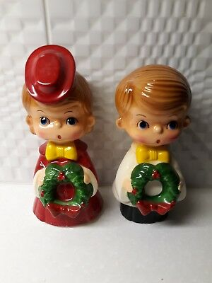 Vtg.Boy Girl Ceramic Christmas Carolers With Wreaths And  Yellow Bow Ties Japan