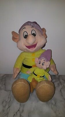 Disney Snow White Large Dopey Soft Toy & Beanie