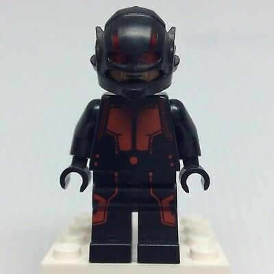 LEGO Super Heroes Ant-Man - Hank Pym sh202 Minifigure from 76039