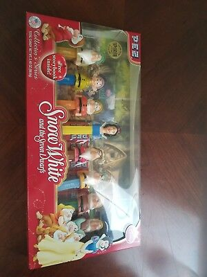 PEZ - Disney Snow White and the Seven Dwarfs - Box Collector's Set of 8  w/ book