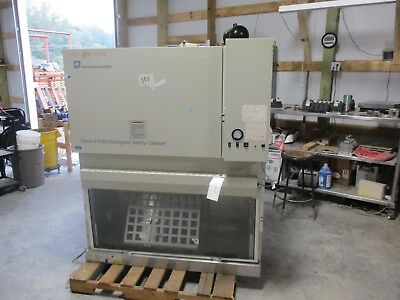 Forma Scientific Biological Safety Cabinet Mod:1284 #1015830C *used