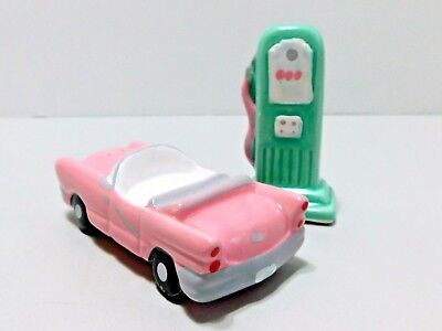 Vintage Knobler Gas Pump Convertible Salt Pepper Shaker Set Green Pink Ceramic