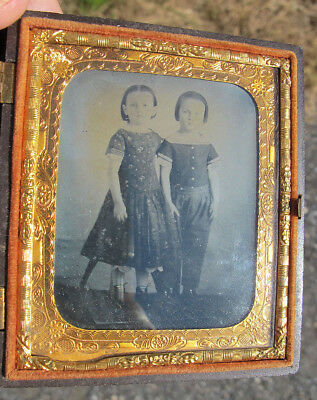 Antique c 1860 Spooky Scary Twins Ambrotype Photograph with Critchlow Case yqz