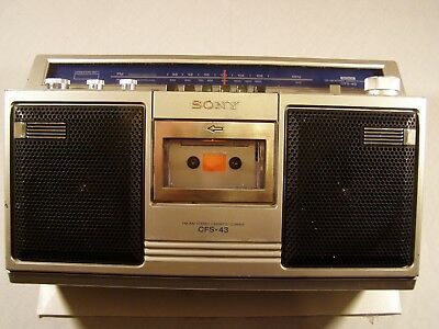 Vintage Sony Boombox CFS-43 AM/FM Portable Radio Cassette Player Recorder 1980s