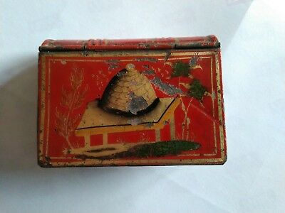 Antique Tole Ware snuff box