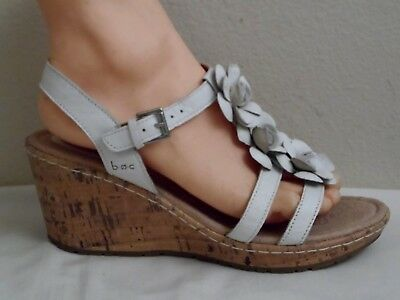 4e3e6d4f6b44b2 Born b.o.c. Womens White Leather T-Strap Wedge Sandal Shoe - Size 9M