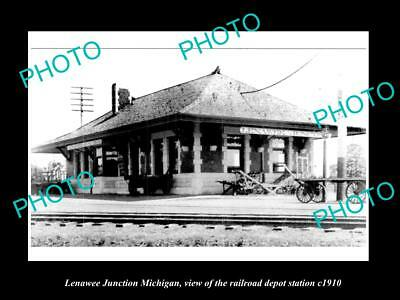 OLD LARGE HISTORIC PHOTO OF LENAWEE JUNCTION MICHIGAN, THE RAILROAD DEPOT c1910