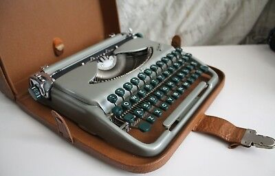 Late 50's Groma Kolibri PortableTypewriter w/Leather Case Cold War Germany  MINT