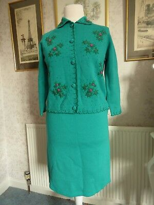 Gorgeous vintage 50s 60s green pink beaded knitted skirt suit M L