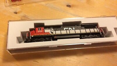N Scale atlas 51875 CN Dash 8-40c #2122 New