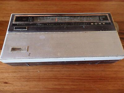 Collectable SONY  TR-824 3 Band , 8 Transistor RADIO