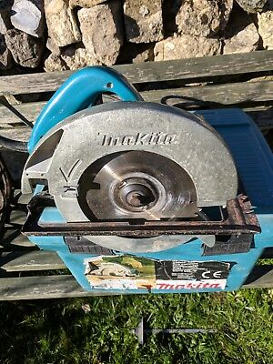 Makita circular saw and case 240 volts sr2100