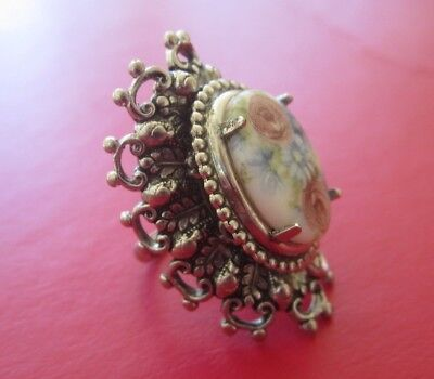 Vintage TALL PAINTED PORCELAIN ROSE & DAISY FLOWER RING Silver Victorian Scroll