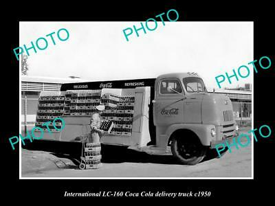 OLD LARGE HISTORIC PHOTO OF INTERNATIONAL LC-160 COCA COLA DELIVERY TRUCK c1950