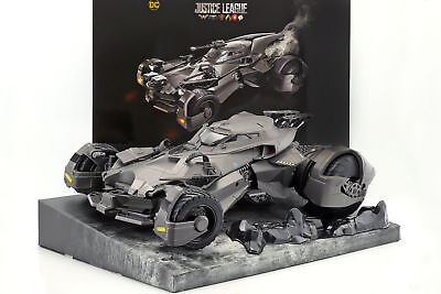 Batmobile from the Film Justice League 2017 with Batman Figurine Rc-Car 1:10