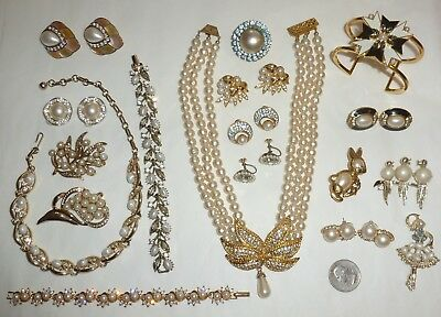 Vintage-Recent Lot 41pc Rhinestone Jewelry Brooches Earrings Necklaces  + Nice!