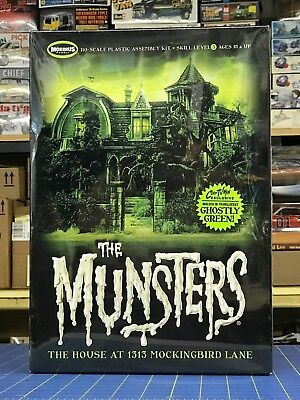 Moebius MUNSTERS HOUSE Model Kit / 1:87 HO Scale / Limited Edition GHOSTLY GREEN