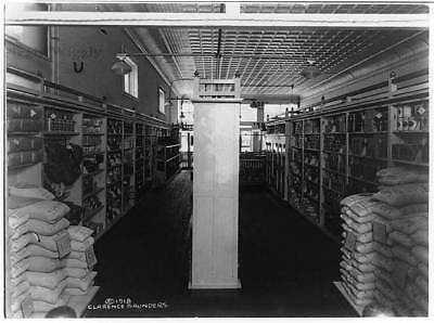 Piggly Wiggly self-service grocery story,merchandise,shelves,Memphis,TN,c1918