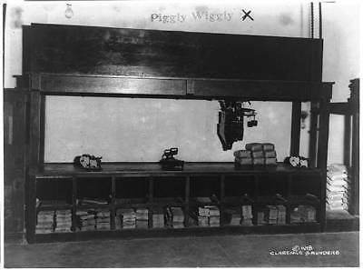 Piggly Wiggly self-service grocery store,scales,counter,bags,Memphis,TN,c1918