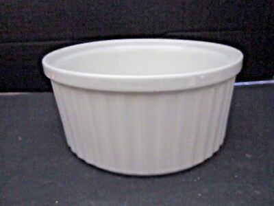 Vintage Arabia Ceramic. Finland. Large White Ribbed Souffle Baking Dish 10-65.