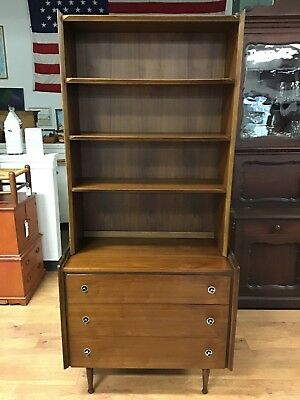 Mid-Century Hooker Mainline Chest Of Drawers With Hutch