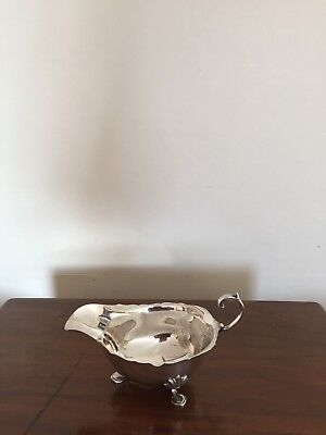 Lovely Solid Silver Wavey Edged Gravy Boat On Three Feet (Birm 1940)