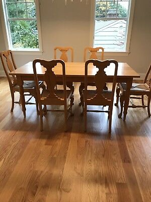 Solid Oak Dining Room Set (table and six chairs)