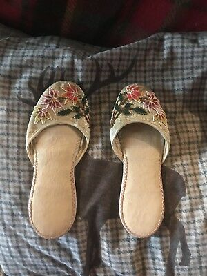 Vintage Beautful Chinese Or Japanese Hand Beaded Slippers