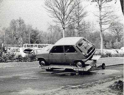 Photo / photograph presse Renault 5 1972 essais de choc crash tests Lardy (lot)
