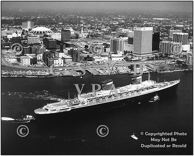 Historic Photo Norfolk 1980 SSUS - SS United States on Elizabeth River B&W # 079