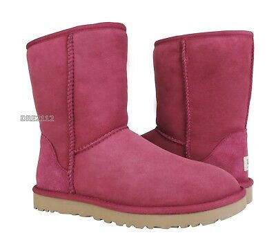 e297cef777a UGG AUSTRALIA CLASSIC Short Turnlock Luxe Beige Suede Boots Size 8 ...