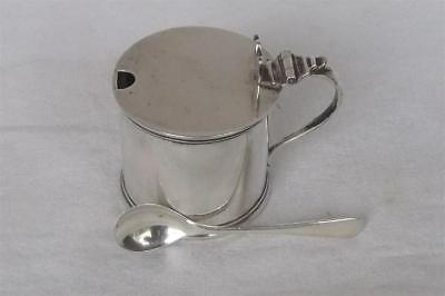 A Fine Solid Sterling Silver Drum Mustard Pot & Liner With Spoon Chester 1923.