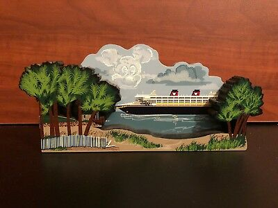 SHELIA'S DISNEY Wonder Cruise Ship SHELF SITTER Signed Captain Tom