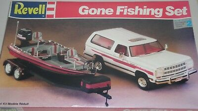Revell Gone Fishing Set 1:25