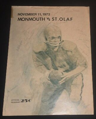 1972 ST. OLAF @MONMOUTH COLLEGE(IL.) Football Game Program SIGNED BY ENTIRE TEAM