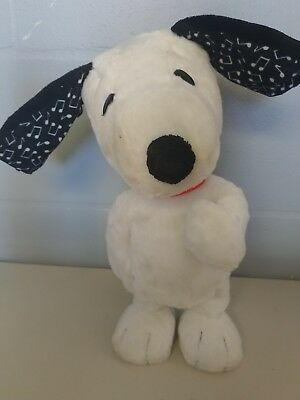 Official '15 Peanuts Movie Happy Dance Snoopy Musical Dancing Plush Doll