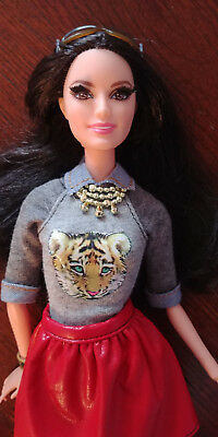 Barbie Doll Raquelle Dressed - 'stylin Friends' -  Articulated Arms  - Pretty