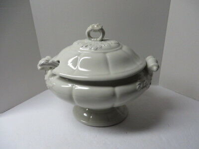 Red Cliff Large Soup Tureen w/Lid Ladle White Ironstone