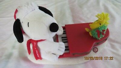 Hallmark Snoopy and Woodstock Christmas Musical Piano Lights Up Holiday