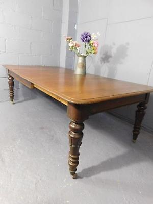 A GOOD SIZED EARLY 19th CENTURY ANTIQUE EXTENDING FARMHOUSE KITCHEN DINING TABLE