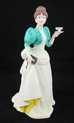 AVON*NEW in a broken Box*Mrs. P.F.E. Albee Award 1995*Porcelain Figurine*Reduced
