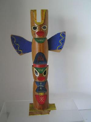 """Totem Vintage  Wood Carved Handcrafted by Sioux Indians 14.5"""" tall"""
