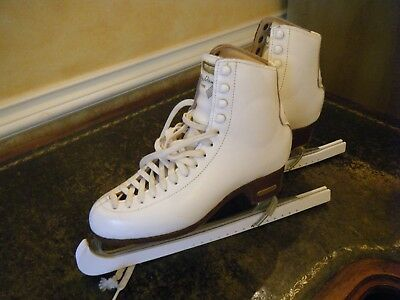Risport Ladies White Ice Skates - Size GB 5 with Blade Covers