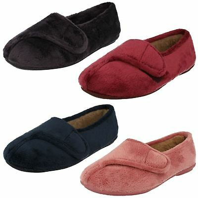 NEW Clarks Winona Frost Ladies Girls Red Slippers Size 3 D