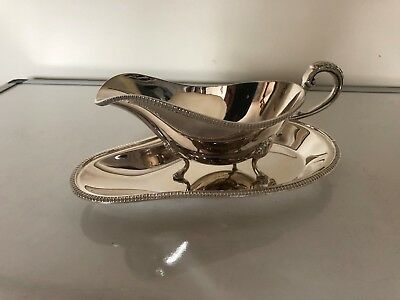 Lovely Silver Plated Sauce Boat On Three Legs On A Silverplated Matching Stand