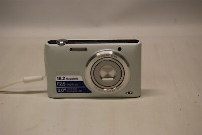 Samsung ST72 16.2MP Compact Digital Camera and Battery